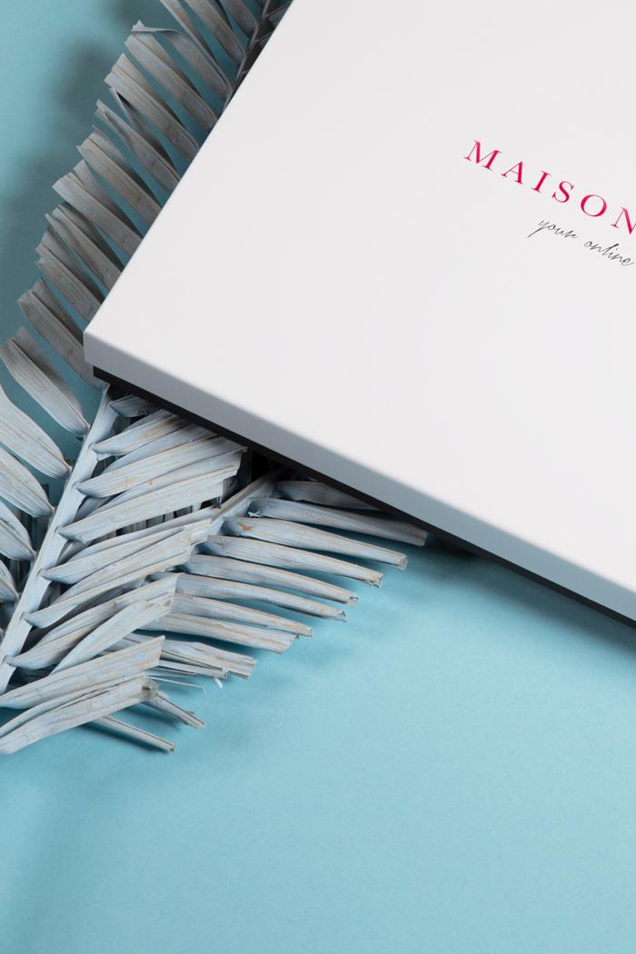 Scatola per abbigliamento per Maison Cashmere. Scatola due pezzi fondo e coperchio