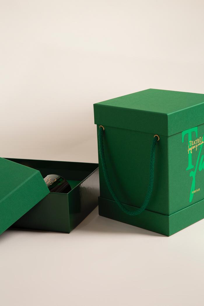 Scatola per profumo per Teatro Green project. Scatola a due pezzi con immagine coordinata
