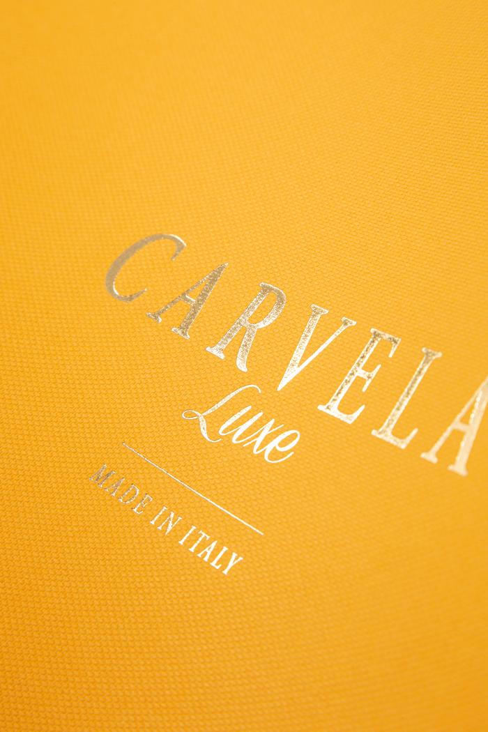 Carta colorata in pasta goffrata con stampa a caldo oro