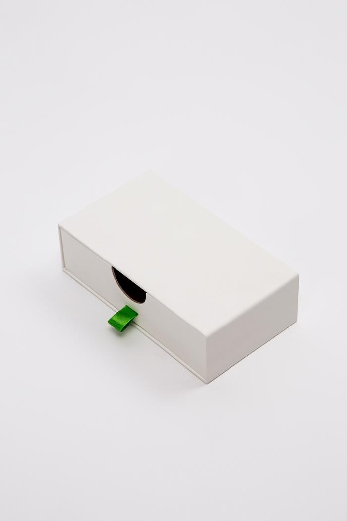 Tipologia scatole: Cassetto rivestita