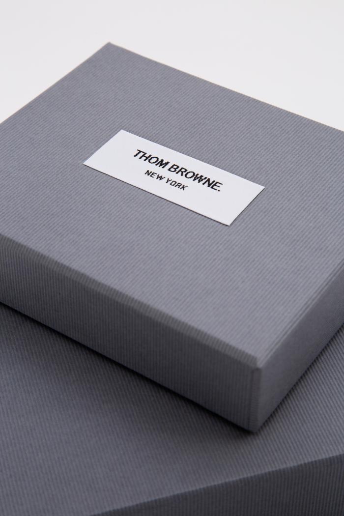 Tipologia scatole: Etichetta in tessuto